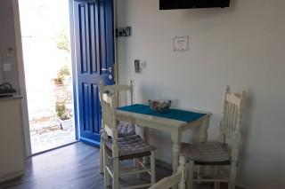 studio 4 athina entrance